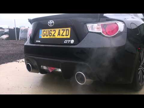 "Toyota GT86 3"" Exhaust with loud/quiet electronic switching"