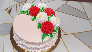 Торт для женщины с очень красивыми астрами и майорами