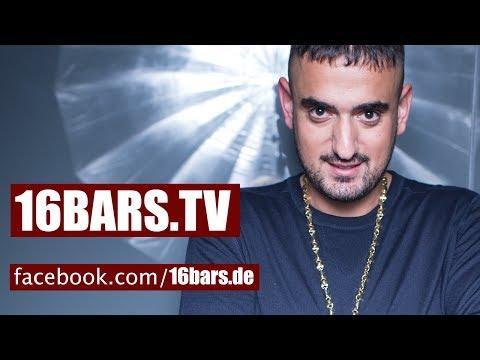 """Haftbefehl: Der Babo spricht über """"CCN III"""", Conchita Wurst, Kollegahs Gold-Erfolg, uvm. (16BARS.TV)"""