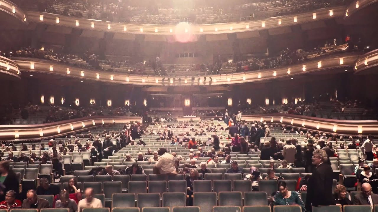 Timelapse of Hult Center filling for Yo Yo Ma on Dec 11 2015