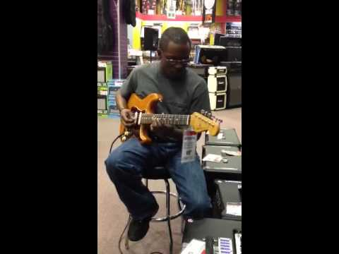 Jeremy Howard trying a Mesa Boogie Transatlantic TA-30