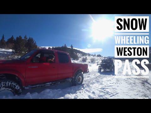 Snow Wheeling Jeep Colorado - Weston Pass
