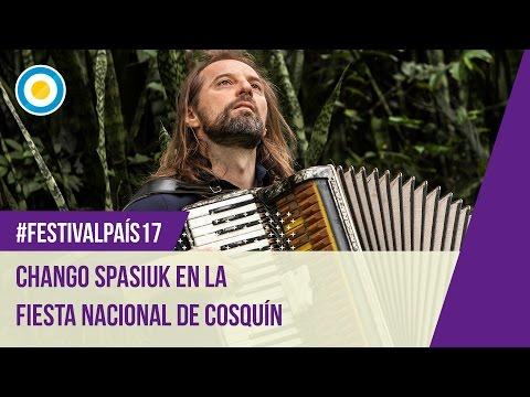 Festival País '17 - El Chango Spasiuk en la octava luna de Cosquín (2 de 3)