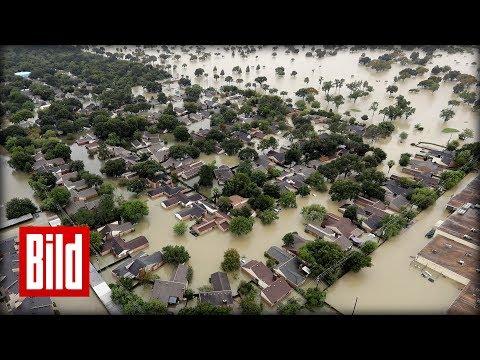 Houston unter Wasser - Flug über die Stadt nach dem Hurrikan