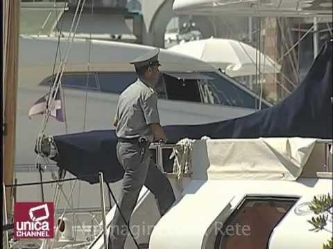 La guardia di finanza a bordo degli yacht per scovare i for Il canotto a bordo degli yacht
