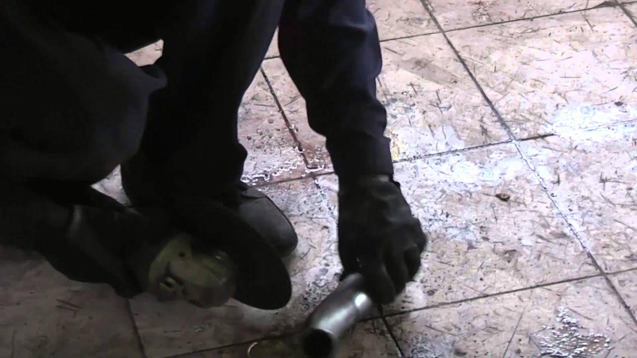 Honda CR-V 3 2007-2011 Замена пыльников передних амортизаторов .