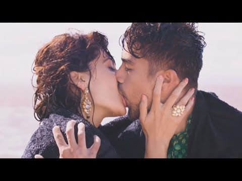 taapse-pannu-hot-kissing-scene-in-dil-juunglee-!!!-(4k-ultra-hd)