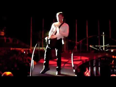U2 : I'll Go Crazy Tonight (Redanka Remix) Red Zone Live : Sheffield Wembley Cardiff