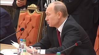 Путин решил помочь Януковичу попрезидентствовать в СНГ(, 2013-10-25T13:53:48.000Z)