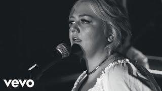 Elle King - Little Bit Of Lovin' (Live From London)