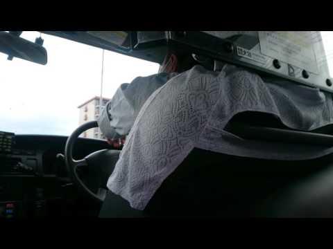 変なタクシー運転手