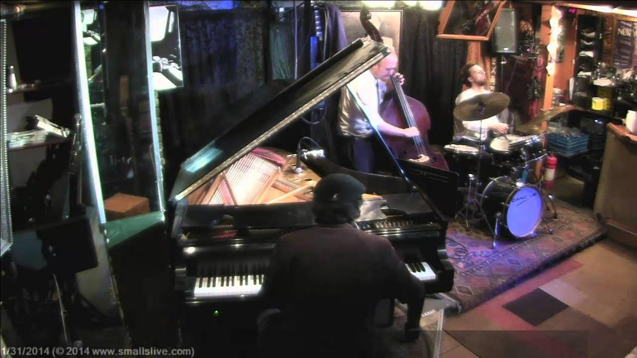 """SmallsLIVE HD: The Mike Bond Trio - """"Naima"""" - 1/31/14"""