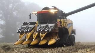 AMAZING MACHINE...THIS MODERN WAYS TO HARVESTING CORN WIT NEW HOLLAND CX 860
