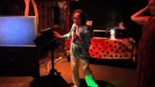 nanny sings at Jamie's wedding