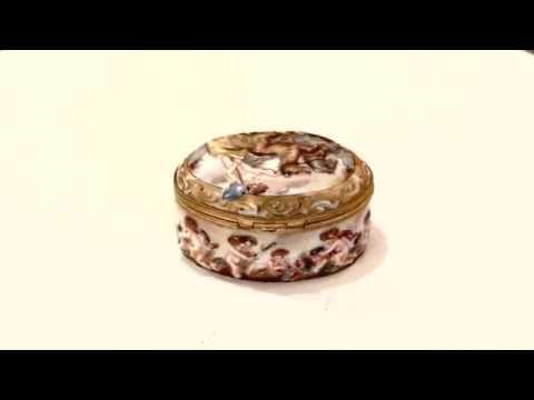Antique Italian Capodimonte Porcelain Pill Box C1890