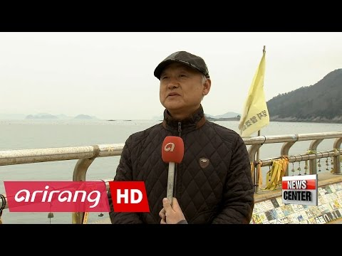 Sewol-ho ferry being transferred to semi-submersible for transport to Mokpo - 동영상