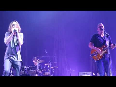 Temple of the Dog - Holy Roller (Mother Love Bone cover) – Live in San Francisco mp3