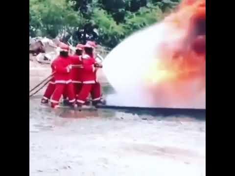 Тушение пожара нефтяной скважины
