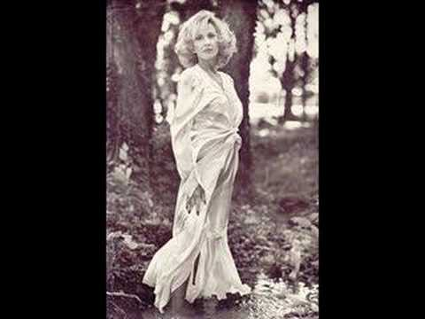 TAMMY WYNETTE - SOMEBODY HOLD ME UNTIL HE PASSES BY