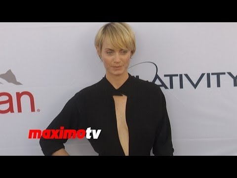 Amber Valletta   PATHWAY TO THE CURE: A Fundraiser Benefiting Susan G. Komen