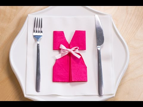 Diy pliage de serviette en forme de robe youtube - Presentation de table de noel ...