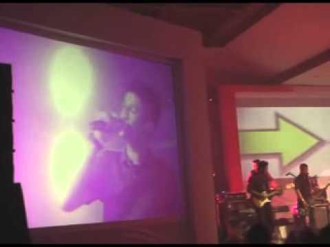 eiffelcustic ft Rossa IDOL (Menghujam Jantung)