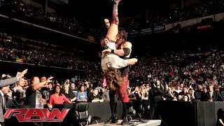 Kane attacks Daniel Bryan: Raw, April 21, 2014