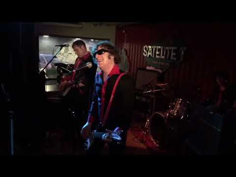 Muck and The Mires - Saturday Let Me Down Again