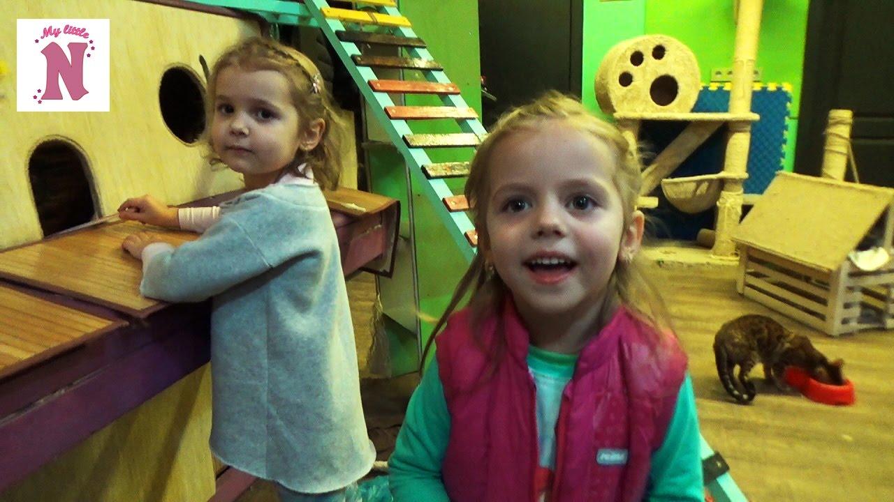 Надувной аттракцион(батут) Детский замок - YouTube
