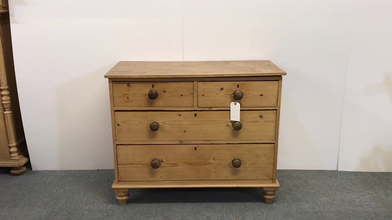 Rustic Old English Pine Chest Of Drawers   Pinefinders Old Pine Furniture  Warehouse