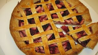 Как приготовить песочный пирог с ежевикой и яблоками