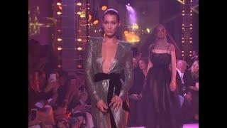 Bella Hadid stuns at Vauthier show