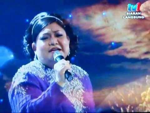 Adibah Noor - Hujan ( Konsert Sudirman - Abadi Di Hati ).wmv