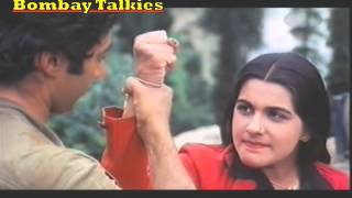 Video Sunny and Roma square off-Betaab (1983) download MP3, 3GP, MP4, WEBM, AVI, FLV Mei 2018