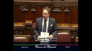Giustizia, Bonafede: ''La corruzione in Italia si vede a occhio nudo''. Bagarre in Aula