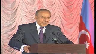Ümummilli Lider Heydər Əliyev İqtisad Universitetində (13iyun 2000ci il)