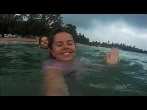 Koupat se v moři když prší
