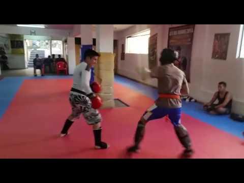 René vs Diego de la Torre   Kick Boxing   1