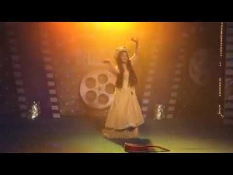 anushka sen dance