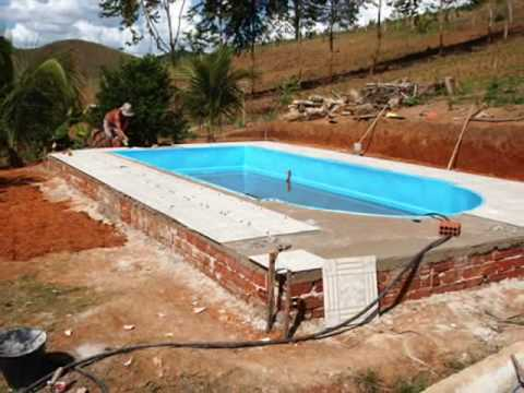 Instala o de piscina de fibra em s o jos do mantimento for Piscina e maschile o femminile