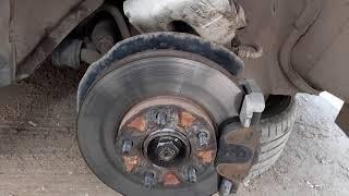Mazda 3 bk 1.6 бьют тормоза