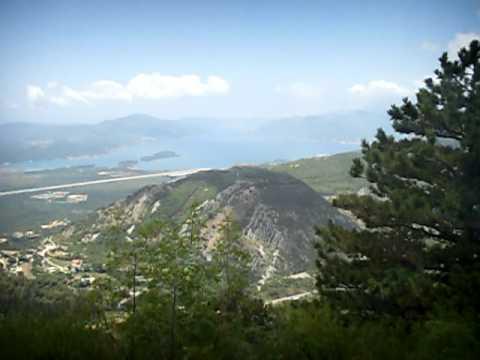 SDC11620 serpentine road 1 (Montenegro July 2011)