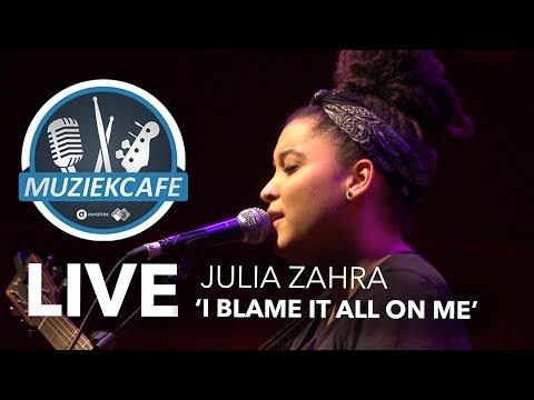 Julia Zahra - 'I Blame It All On Me' live bij Muziekcafé