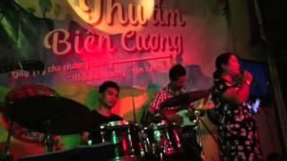Để gió cuốn đi - Đàm Kim Chi biểu diễn cực xúc động trong đêm nhạc từ thiện 28/8/15 tại G4U Cafe