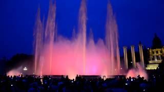 Волшебный фонтан (поющий фонтан) в Барселоне (2)(
