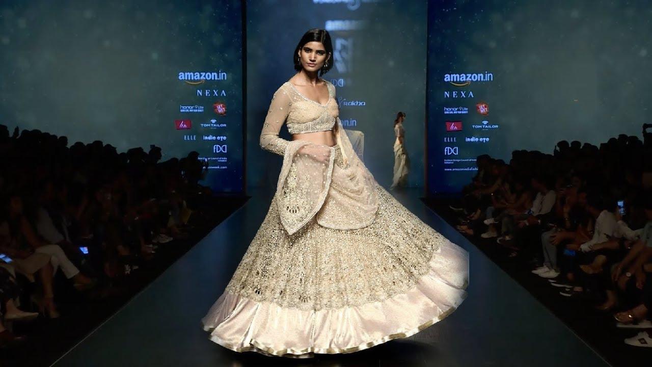 b68e00a464 Rabani And Rakha | Fall/Winter 2018/19 | Amazon India Fashion Week ...