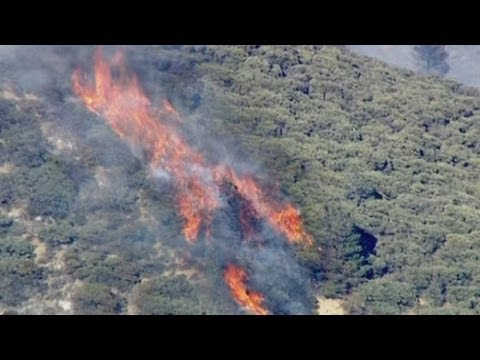 California wildfires: Aerial footage of wildfires raging in southern California