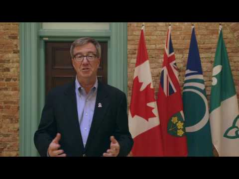 Jim Watson welcomes photographers to Ottawa