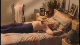 Repeat youtube video Prevención Cancer - Autoexploración mamaria