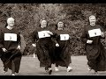 25 Vintage Pictures of Nuns Having Fun From the 1950s and 1960s